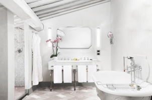 COMO Catello del Nero - Heritage Suite Bathroom