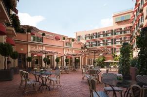 Hotel de la Ville - Courtyard