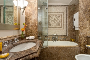 Hotel Savoy Florence - Bathroom