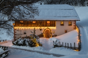 White Deer San Lorenzo Mountain Lodge - Wintertime Outside