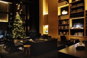 Aman Tokyo - Library Christmas tree