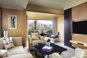 The Ritz-Carlton Kyoto - Suite Livingroom