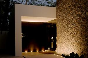 Amansara -Spa entrance