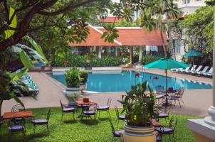 Cambodia - Raffles Hotel Le Royal - Swimming Pool