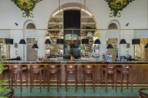 Cambodia - Raffles Hotel Le Royal  - Elephant Bar