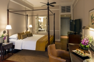 Cambodia - Raffles Hotel Le Royal - Balcony Suite