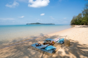 Six Senses Krabey Island - Beach Picnic