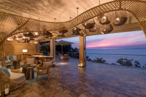 Six Senses Krabey Island - Sunset at the Lobby