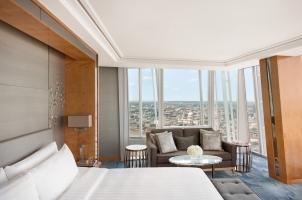 Shangri La Hotel at The Shard - London - City View King Room