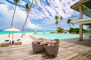 Baglioni Resort Maldives - Pool Bar