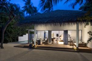 Raffles Maldives - Beach Villa Night View