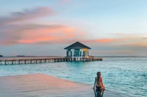 Raffles Maldives - Main Pool