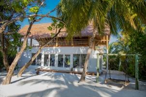COMO Cocoa Island - Gym & Yoga Pavillion