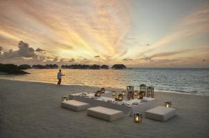COMO Maalifushi Malediven - Beachside Dining