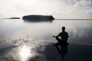 COMO Maalifushi Malediven - Water Villa Pool Yoga