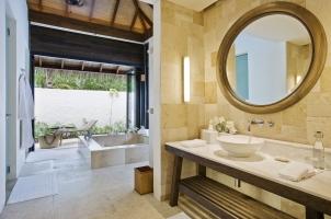 Maledives COMO Maalifushi - Garden Suite Bathroom
