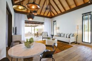 Maledives COMO Maalifushi - Garden Villa Living and Dining