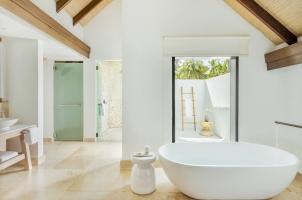 Maledives COMO Maalifushi - Two Bedroom Beach House Bathroom
