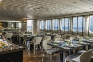 Maledives Four Seasons Explorer - Restaurant