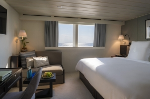 Maledives Four Seasons Explorer - Bedroom