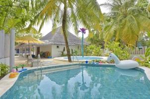 Kanuhura Maldives - Kids Club Pool
