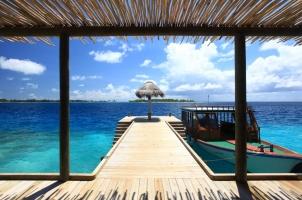 Maledives Six Senses Laamu - Dive Jetty