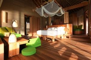 Maledives Six Senses Laamu - Water Villa bedroom