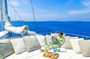 Maledives Soneva Aqua - Breakfast at Deck