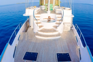 Maledives Soneva Aqua - Aqua Jacuzzi deck