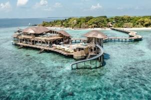 Maledives Soneva Fushi - Out of the Blue Restaurant