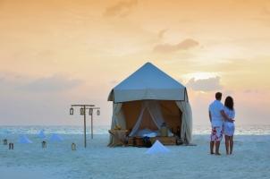 Maledives Soneva Fushi - Sandbank Ovenight Stay