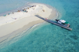 Maledives Soneva Fushi - Sandbank Aerial