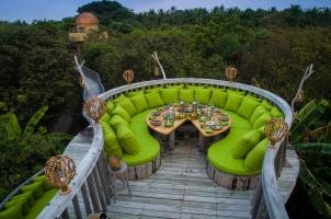 Maledives Soneva Fushi - Fresh in the Garden Moonlight Table