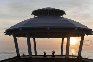 Waldorf Astoria - Sunset Yoga