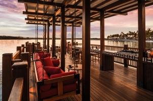 Mauritius LeSaintGeran - Bar Sunset