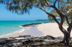 Shangri La's Le Touessrok - Ilot Mangenie Private Island