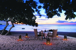 Mauritius The Oberoi Beach Resort - Beach Dinner
