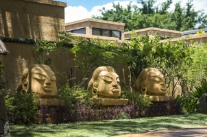 Mauritius The Oberoi Beach Resort - Buddha Faces
