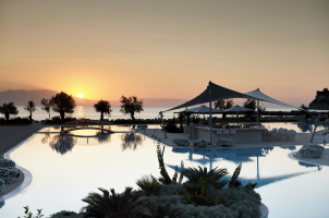 Sani Dunes - Pool Night