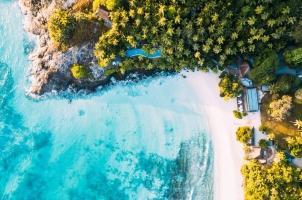 Seychelles North Islands - Piazza Main Pool