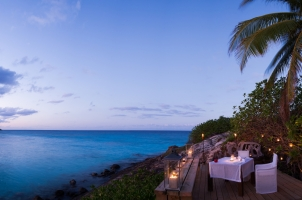 Seychelles North Islands - Pool Dining