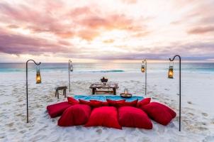 Seychelles North Islands - West Beach Picnic