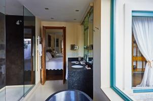 Corral del Rey - Penthouse Suite bathroom
