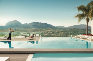 SHA Wellness Clinic Spain - Infinity Pool