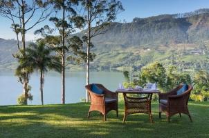 Ceylon Tea Trails - Tea on the lawn