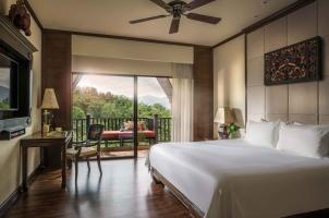 Anantara Golden Triangle - Bedroom
