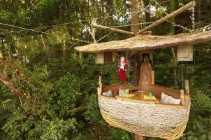 Thailand Soneva Kiri - Santa in the Tree Pod Dining