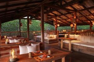 Thailand Soneva Kiri - Dining Benz