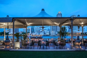 The Peninsula Bangkok - River Cafe Terrace