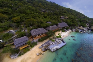 Six Senses Ning Van Bay - Dining on the Jetty